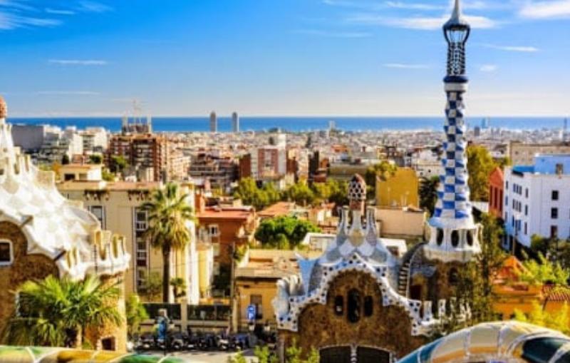 Ahorra por el día y diviértete por la noche esta Santa Santa en Barcelona